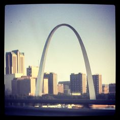 Reports show that the City of St. Louis in Missouri is an attractive place to move to. Check out why is rappidly becoming a popular place to live!