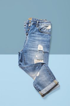 Design Set, How To Fold Jeans, Denim Display, Folding Jeans, Trendy Outfits, Kids Outfits, Clothing Store Displays, Clothing Photography, Clothes Pictures