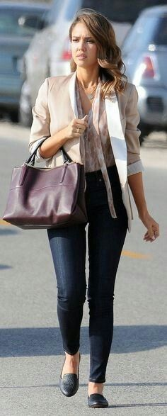 Again? Yes. She is the reason why I love Coach so much  #jessicaalba #coach