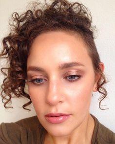 """ well more like makeup of the night. My makeup look for ""Date Night"" with my bestie last night. Selfies, Makeup Looks, Wellness, Night, Instagram Posts, Make Up Looks, Selfie"