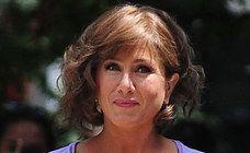 It might be a faux-bob wig job but Jennifer still rocks her new 'do.