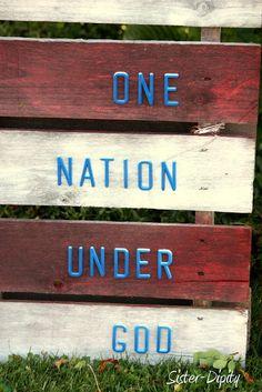 Sister-Dipity: American Flag Pallet Art