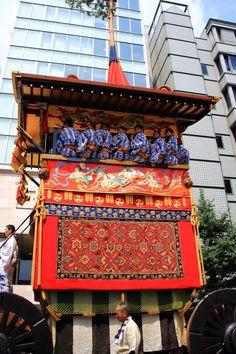 京都三大祭の祇園祭の後祭の山鉾巡行の南観音山