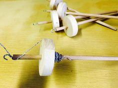 fuso di legno per filare la carta