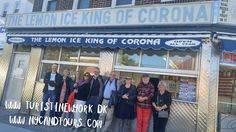 Lovely group of Danes on our Forest Hills & Corona tour in Queens last October / Skøn gruppe af danskere med på vores Forest Hills & Corona tour i Queens.  #turistinewyork #nycandtours #sightseeing #queenstour #dansk #vierdanskere #danmark #denmark #lemoniceking #corona #foresthills #queens #walkingtours #onlineconcierge #tourguide #concierge #turengårtil #newyorkrejsetips #vismigditnewyork #turengårtilnewyork #seemycity #newyork