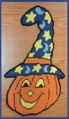 Halloween Canvas, Halloween Beads, Halloween Crafts, Plastic Canvas Crafts, Plastic Canvas Patterns, Tissue Box Covers, Tissue Boxes, Needlepoint Patterns, Cross Stitch Patterns