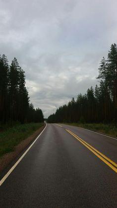 Tie on pitkä..