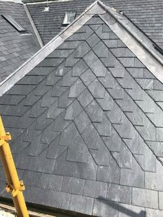 Excellent slatework Roof Cap, Roof Detail, Slate Roof, Roof Design, Cladding, Architecture Details, Modern Farmhouse, Facade, Beach House