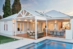 Summer Pool House Inspired Space Summer Pool House Inspired Space The Builder's Wife The post Summer Pool House Inspired Space appeared first on Architecture Diy. Style At Home, Outdoor Rooms, Outdoor Living, Outdoor Furniture, Weatherboard House, Exterior Cladding, Facade House, Pool Houses, Home Fashion