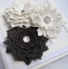 Beautiful Flower Template... download the template to create these beautiful shabby chic flowers