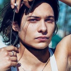 New boy crush and Johnny Depp lookie likey Frank Dillane from Fear The Walking Dead