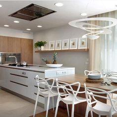 Uma linda cozinha gourmet para inspirar nessa manhã ensolarada de domingo. Muito showwww!!!!
