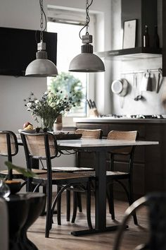Dining area in an inspiring small studio full of contrast - Joakim Walles / Alexander White.