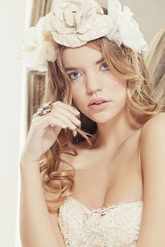 Beautiful Bridal Les Habitudes!