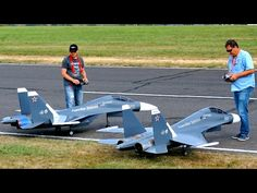 Model: Sukhoi with thrust vector control Pilot: Enrico Thäter / Ralph Losemann Engine: JetCat Turbine Take-off weight: Wingspan: . Model Show, Rc Model, Little Bird Helicopter, Sukhoi Su 30, Thrust Vectoring, Radio Controlled Aircraft, Rc Hobbies, Jet Engine, Model Airplanes