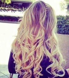 This year curly hair with the amazing hairstyles are also popular and trendy. Girls like to carry unique hairstyles with the curly and messy hair. Curly ...