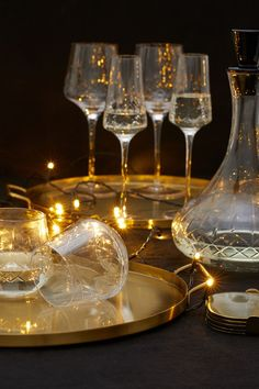 Dricksglas - Klarglas - Home All | H&M SE Cut Glass, Clear Glass, Wine Glass, Christmas Offers, Hm Home, Metal Trays, Music Gifts, H&m Gifts, Lassi