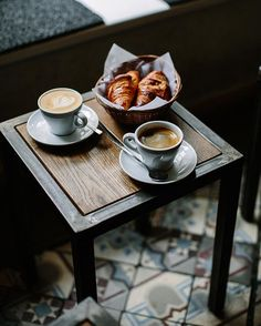 Coffee and croissant make a perfect breakfast and they have truly good ones in Chapter One. Plus they always play some good tunes. Check out my other #Berlin #UrbanTips prepared in cooperation with @courtyard_de and share yours! by whatforbreakfast