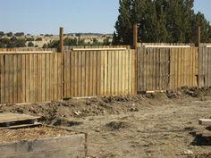 Una valla de palet en el jardín