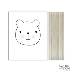 Lesen blok Medvedek -  Prikupen lesen blok s poslikavo medvedka, je odična izbira za sobo vašega malčka. Odlično se poda z ostalimi izdelki v kategoriji Otroška soba. Velikost: 100 x 125 x 30 mm. Izdelek je narejen ročno na Nizozemskem.