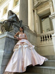 Monique Lhuillier Bridal Spring 2022 Trunk Show @leliteboutique May 27 - 30 Elite Bridal, Monique Lhuillier Bridal, Bridal Boutique, Bridal Collection, Bridal Dresses, Evening Gowns, Ready To Wear, Wedding Planning, Rose