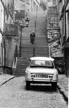 Citroën Ami 6 in old Montmartre Automobile, Citroen Car, Classic Mercedes, Top Cars, History Photos, Nostalgia, Car Pictures, Motor Car, Cars And Motorcycles