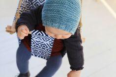 une petite balancelle et un joli bonnet