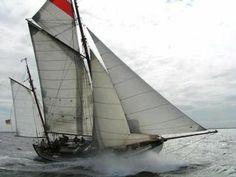 Colin Archer ketch by rough sea, .Le Storie di Milo