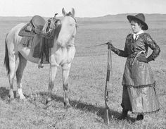At right, rifle- and pistol-packin' Nebraska cowgirl Sadie Austin wore a split skirt topped by a short over-skirt when riding her father's range in the Photo courtesy Nebraska State Historical Society. Old Pictures, Old Photos, Vintage Photos, Cowgirl And Horse, Cowboy And Cowgirl, Cowgirl Style, Vintage Cowgirl, Vintage Candy, Into The West