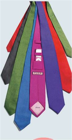 Colourful Commuter Ties with spot for iPod #STEM #fashion