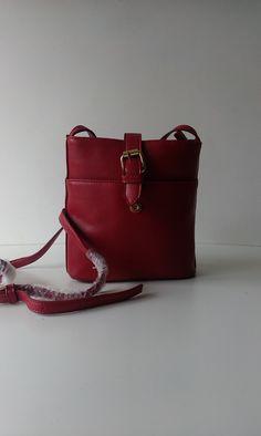 Cross Body Handbags, Lady, Purses And Bags, Fashion, Moda, Crochet Shoulder Bags, Fashion Styles, Fashion Illustrations, Cross Body Bags