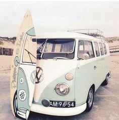 Pipeline surf in Hawaii! , Pipeline surf in Hawaii! Pipeline surf in Hawaii! Pipeline surf in Hawaii! Vans Vw, Vw Camper Vans, Volkswagen Bus, Volkswagon Van, Volkswagen Beetles, Hippie Tattoo, Combi Ww, Vw Caravan, Vw Vintage