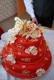 bolo dourado - Pesquisa Google
