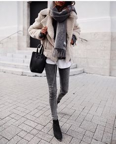 Teen Clothing chic winter outfit for young women, casual chic winter outfit for women in their. Chic Winter Outfits, Chic Outfits, Fall Outfits, Fashion Outfits, Womens Fashion, Winter Dresses, Winter Clothes, Winter Layering Outfits, Layering Clothes