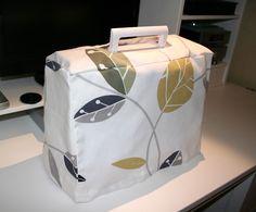 sewing machine cover. Cubierta para maquina de coser
