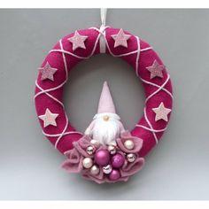 Christmas Door, Felt Christmas, Christmas Wreaths, Xmas, Christmas Ornaments, Origami Christmas, Crochet Wreath, Needle Felting, Diy And Crafts