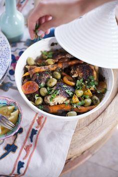 Moroccan Date Night Dinner | Camille Styles - Maroc Désert Expérience tours http://www.marocdesertexperience.com