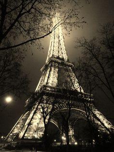 paris romance   ... paris photo shoot photographs photography photos portrait romantic
