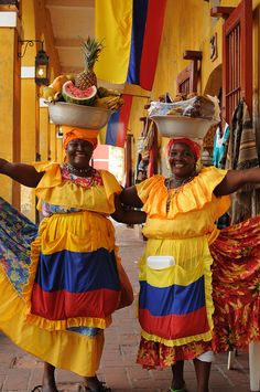 Afro-Colombian women from San Basilio de Palenque in Cartagena, Colombia, South America in their traditional African Heritage style dress… We Are The World, People Around The World, Wonders Of The World, Trip To Colombia, Colombia Travel, Colombian Culture, Colombian Women, Colombian People, Equador
