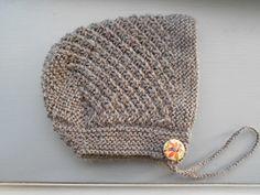 Free baby bonnet pattern. Fingering weight yarn.