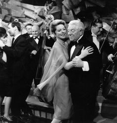 Still of Jean Gabin and Madeleine Robinson in The Gentleman from Epsom (1962)