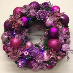 Pretty in pink, wreath for Barbie. Christmas Reef, Merry Christmas, Christmas Crafts, Christmas Decorations, Purple Christmas, Elegant Christmas, Christmas Holidays, Christmas Wreaths, Christmas Ideas