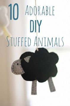 Stuffed Animals Crafts 10 Adorable Stuffed Animals You Can DIY - Fill your home with these cuddly felt critters, or give them as gifts to your favorite kids. Baby Crafts, Felt Crafts, Fabric Crafts, Sewing Crafts, Sewing Projects, Sewing Stuffed Animals, Cute Stuffed Animals, Adorable Animals, Diy Laine
