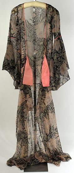 Tea gown Designer: Jessie Franklin Turner (American, 1881–ca. 1956) Date: 1926 Culture: American Medium: silk Dimensions: Length at CB: 85 in. (215.9 cm) Credit Line: Gift of Mrs. Robert Lovett, 1951