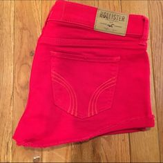 Hollister Low Rise Red Jean Shorts Hollister jean shorts. Low rise. Red wash. Size 5 Regular. Waist 27. Button and zipper front. Been worn but in excellent condition. Cute and perfect for the spring and summer! Hollister Shorts Jean Shorts