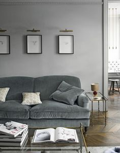 Grey Traditional Living Room with Glass Coffee Table and Parquet Floor Velvet Couch, Living Room Interior, Home Living Room, London Living Room, Living Room Decor, Grey Room, Gray Couch Living Room, Small Living Rooms, Living Room Designs