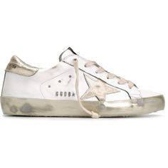 Golden Goose Deluxe Brand 'Super Star' sneakers (€585) ❤ liked on Polyvore featuring shoes, sneakers, white, white lace up shoes, star sneakers, lace up sneakers, flat shoes and leather shoes