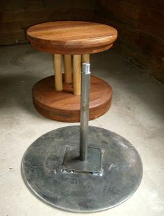 CleanMud: Korean Style Kick Wheel. I would like one of these.