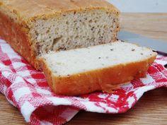 Diferente do que muitos pensam fazer Pão Sem Glúten é bem simples. Descubra aqui uma receita fácil de Pão Caseiro e Sem Glúten...