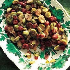 This incredibly simple recipe for roasted Brussels sprouts boasts one surprising (and delicious) ingredient you won't believe. Water Recipes, Lemon Recipes, Thanksgiving Side Dishes, Thanksgiving Recipes, Brussels Sprouts Thanksgiving Recipe, Steak Dinner Sides, Roasted Sprouts, Summer Grilling Recipes, Roast Recipes